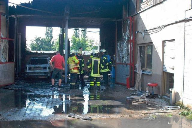 Werkstatt wurde ein Raub der Flammen