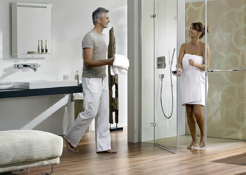 Die ebenerdige Dusche ist nicht nur fü...zeit auch bei Designern sehr beliebt.   | Foto: heiler-web.com