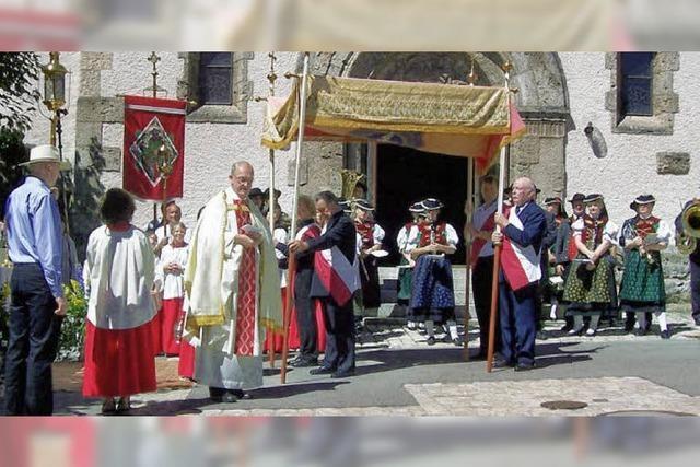 Gläubige feiern Herz-Jesu-Fest