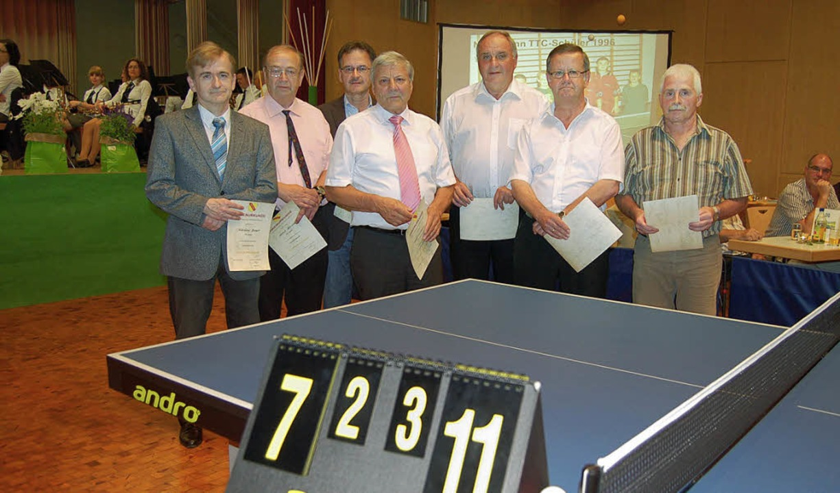Seit 40 oder sogar 50 Jahren aktiv im ...lf Oschwald und Paul Hug (von links).   | Foto: Bernd Fackler
