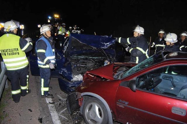 Unfall fordert sechs Verletzte