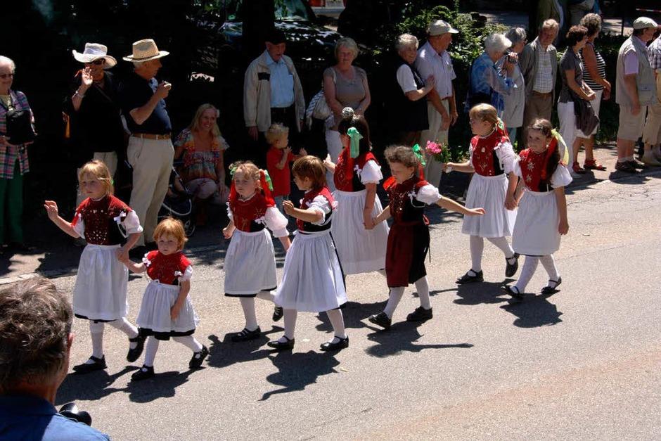 Mehr als 1000 Trachtenträger präsentierten sich am Sonntag beim Kreistrachtenfest in Münstertal. (Foto: Hans Jürgen Kugler)
