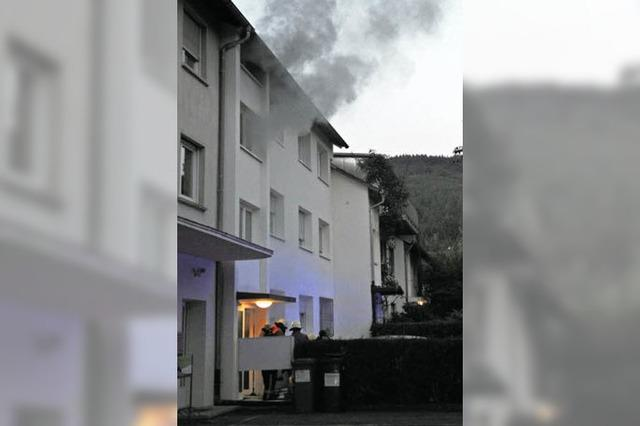 Wehr rettet neun Menschen aus dem Rauch