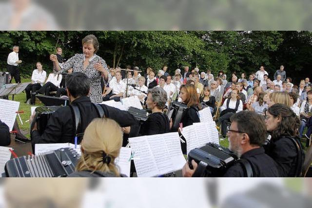 Konzert unter freiem Himmel ist ein voller Erfolg