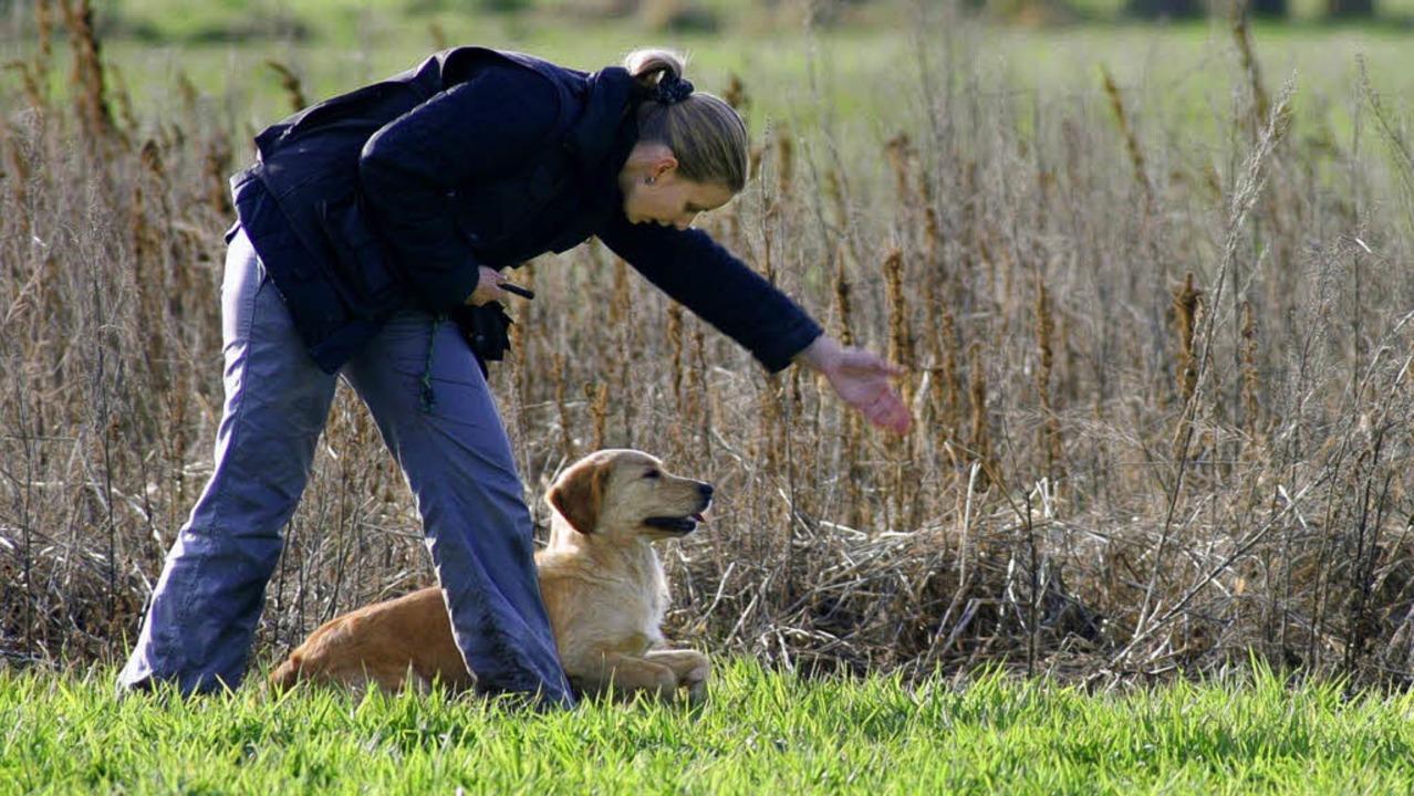 Mit ihrer Hündin Cara hat Tanja Kryszo...n, die es werden wollen, austauschen.   | Foto: privat