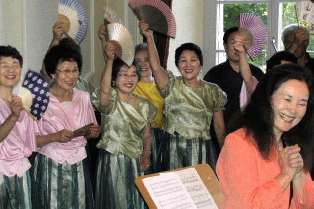 Asiatische Klänge erfüllen das Trompeterschloss