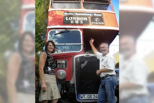 Londonbus kehrt heim nach Durham