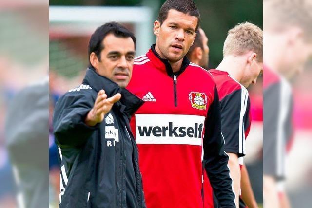 Zu Besuch bei Robin Dutt im Leverkusener Trainingslager