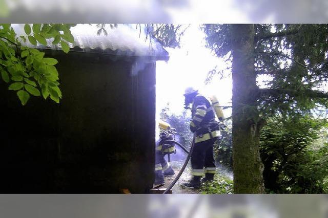 Gartenhütte ausgebrannt