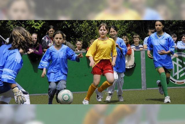 Anpfiff für Mädchenfußball beim SVS
