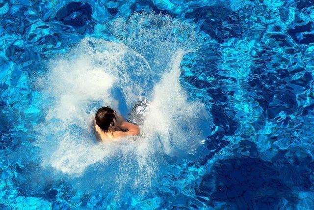 Ein konventionelles Schwimmbad