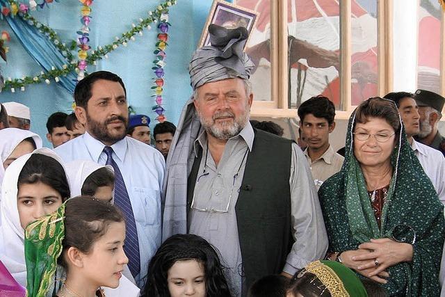 Taliban, Krieg und Hilfe, die ankommt