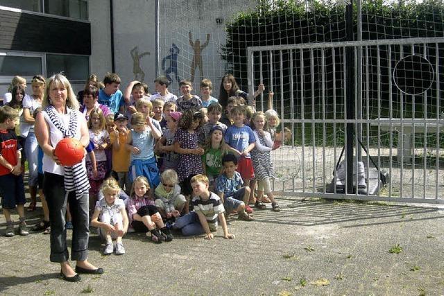 Neue Torwand für die Abt-Steyrer-Schule