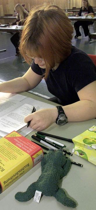 Es ist geschafft: Die Prüfungen an den...schulen des Landes sind abgeschlossen.    Foto: dpa
