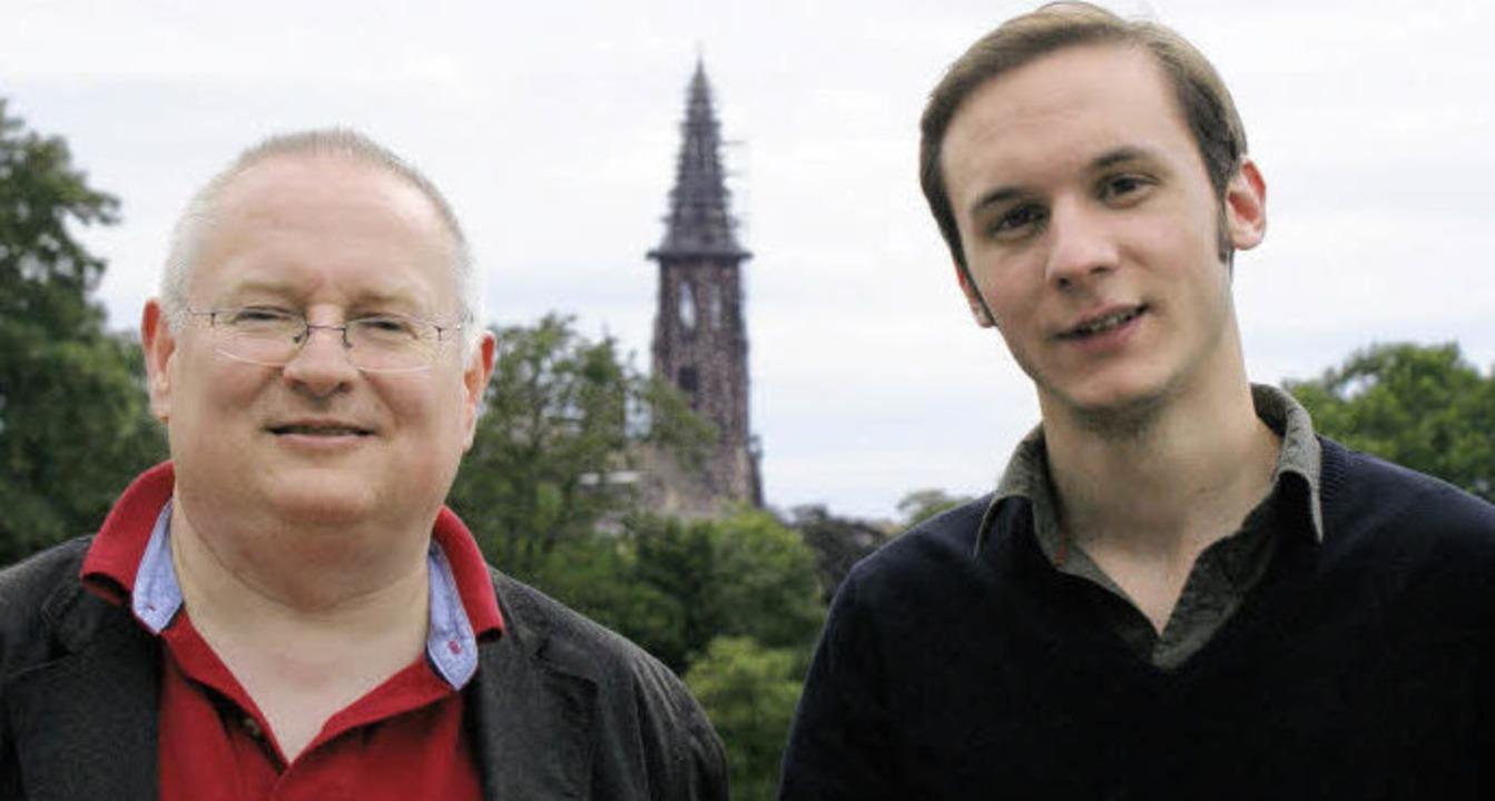 Papstlied-Texter Meinrad Walter (links) und   Papstlied-Komponist Luis Reichard   | Foto: Monika Rombach