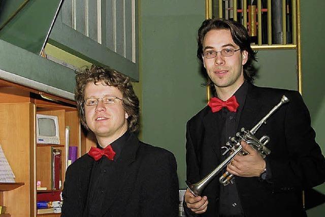 Orgel und Trompete klingen