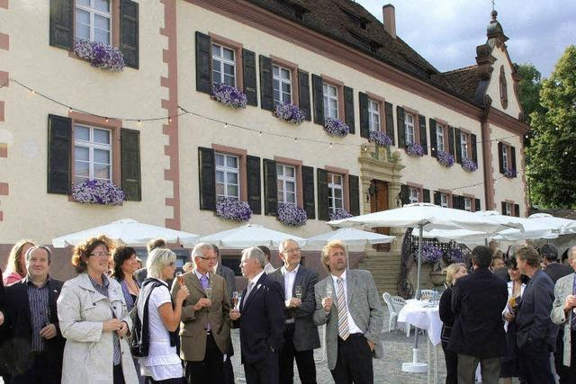 Festakt im neu gestalteten Schlosshof