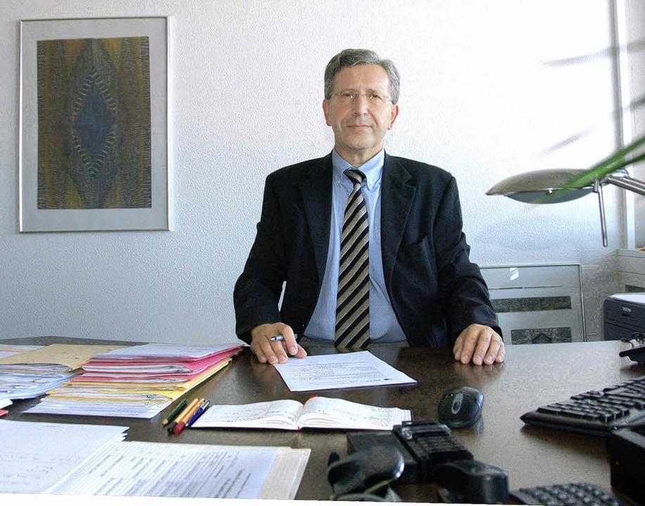Mit achtmonatiger Verspätung geht Günther Stecher nun in Ruhestand.  | Foto: Marius Alexander