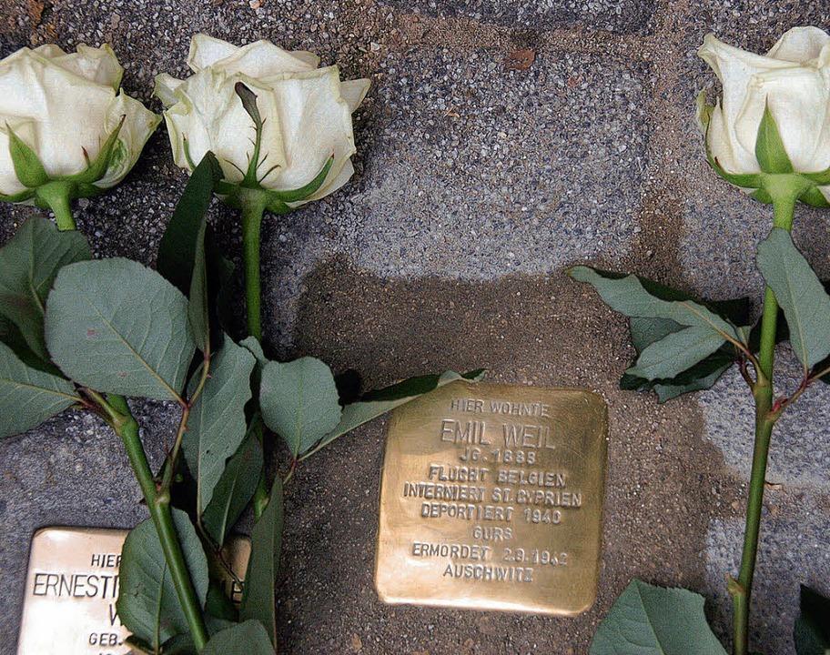 Der  Gedenkstein für Emil Weil liegt n...in Dachau Opfer des Naziterrors wurde.  | Foto: Manfred Frietsch