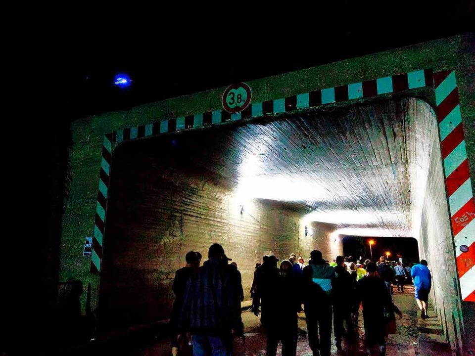 Vor diesem Tunnel stauten sich vorübergehend die Besucher.  | Foto: Dominic Rock