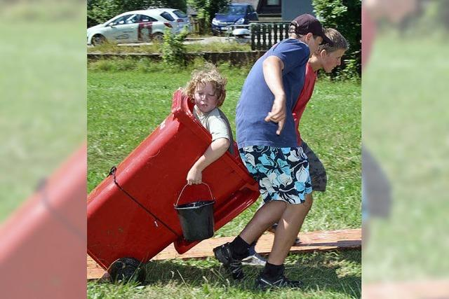 Jugend hilft mit Spiel und Spaß