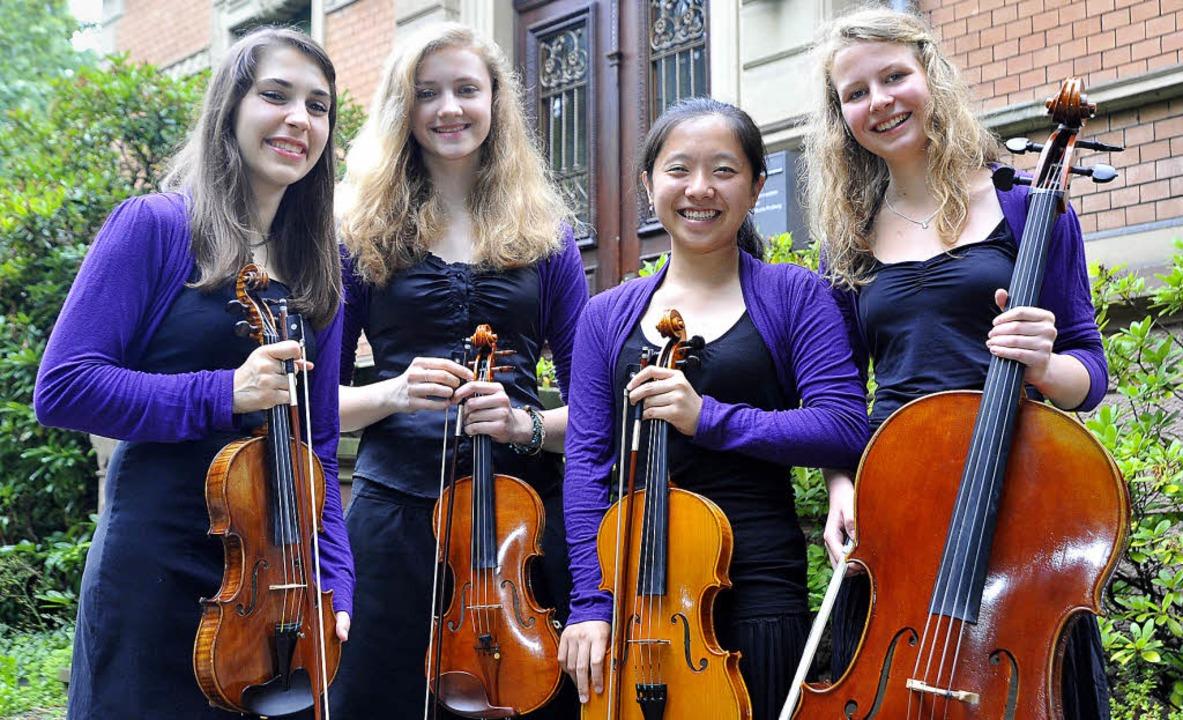 Eingespieltes Quartett (von links): Ca... Geugelin, Shih-Yu Tang, Nine Behrends  | Foto: m. bamberger