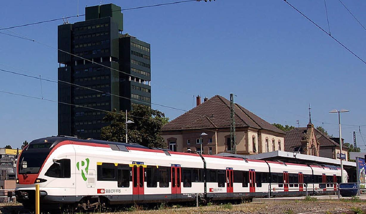 Im Lörracher Rathaus kann man sich den Bahnbetrieb auch anders vorstellen.     Foto: Trenz