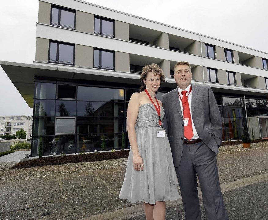 Michael Müller und seine Frau Martina ...haben des Elektrounternehmens Müller.   | Foto: Ingo Schneider