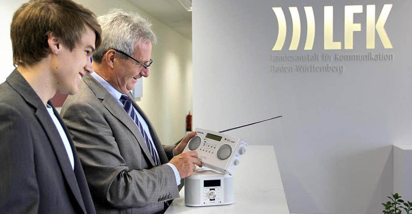 LFK-Präsident Langheinrich gefallen die neuen DAB+-Radios  | Foto: LFK