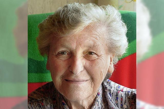 Martha Schöne feiert in Gresgen 90. Geburtstag