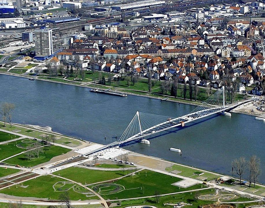 Der Klimawandel ist ein grenzüberschreitendes Thema für Kehl und Straßburg.   | Foto: dpa