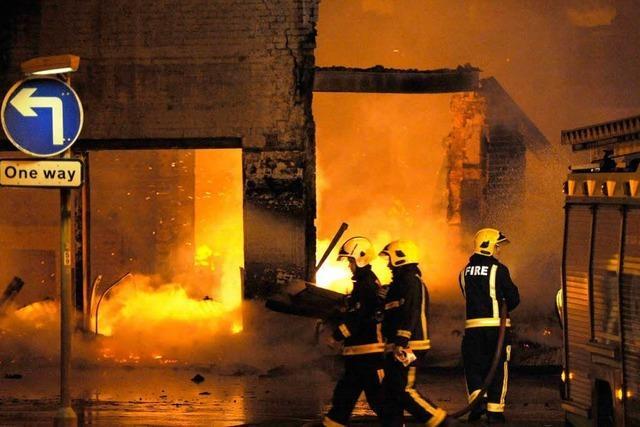 London im Sog der Gewalt – Suche nach Lösungen