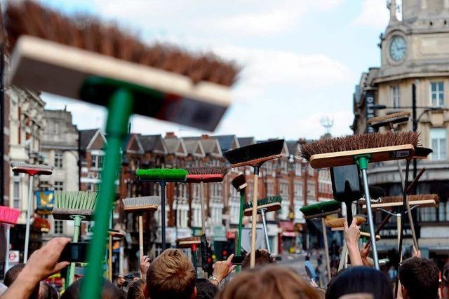 Verbranntes Verständnis: Wut auf randalierende Jugend in London wächst