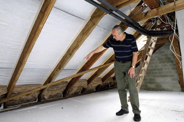 Schnell noch Dämmung unters Dach