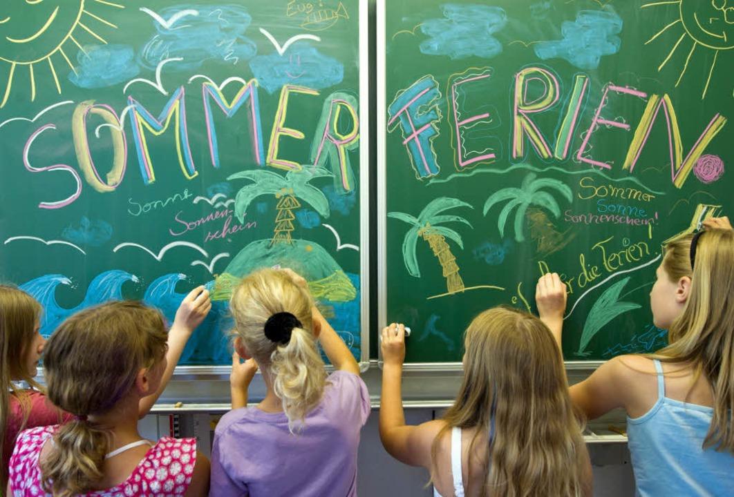 Die Kinder in Baden-Württemberg müssen...er warten als anderswo in Deutschland.  | Foto: dpa