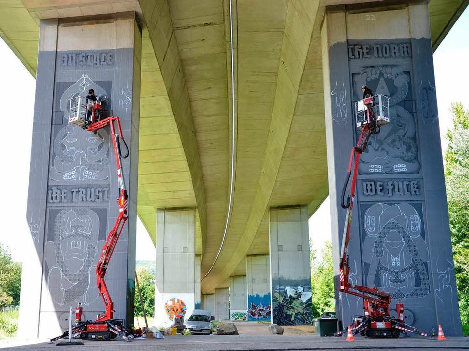 Etablierte Künstler und junge Sprayer ... haben den öffentlichen Raum erobert.   | Foto: Barbara Ruda