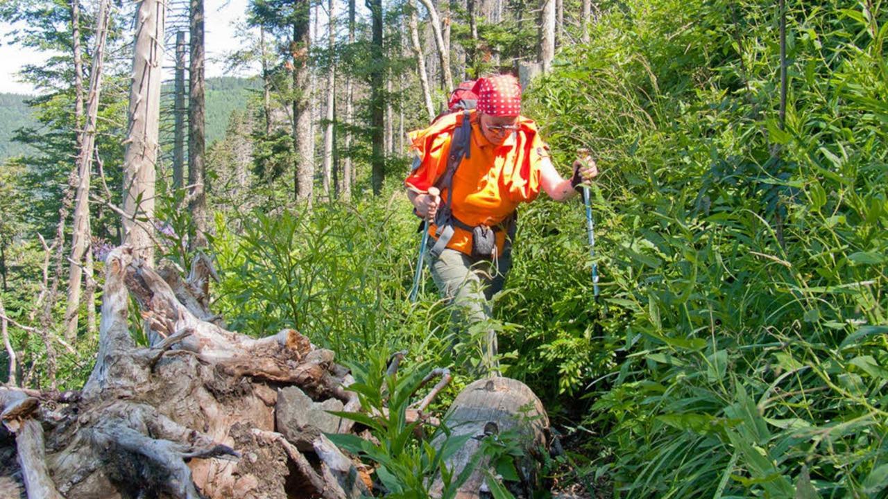 Die Wanderblogger Claudia und Rainer Haas auf dem Alpinen Pfad.  | Foto: http://www.rainerundclaudia.de/