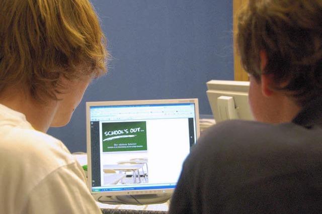 Schulabgängern und Betrieben helfen
