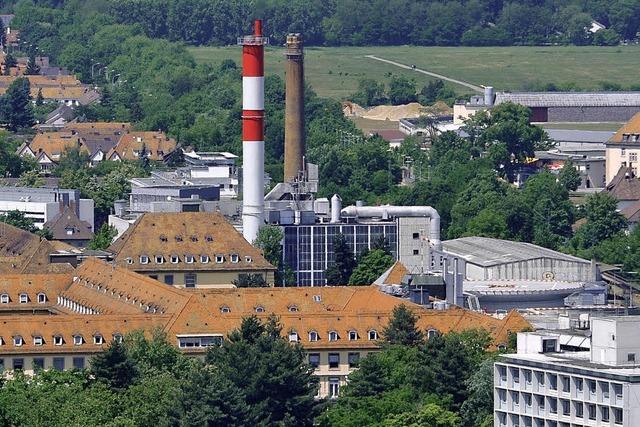Heizkraftwerk: Badenova und Uni-Klinik unterzeichnen Vertrag