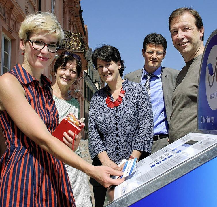 Mareike Rauchhaus von der Firma nextbi...ffnung der neuen  Kommunikationsstele   | Foto: gertrude siefke