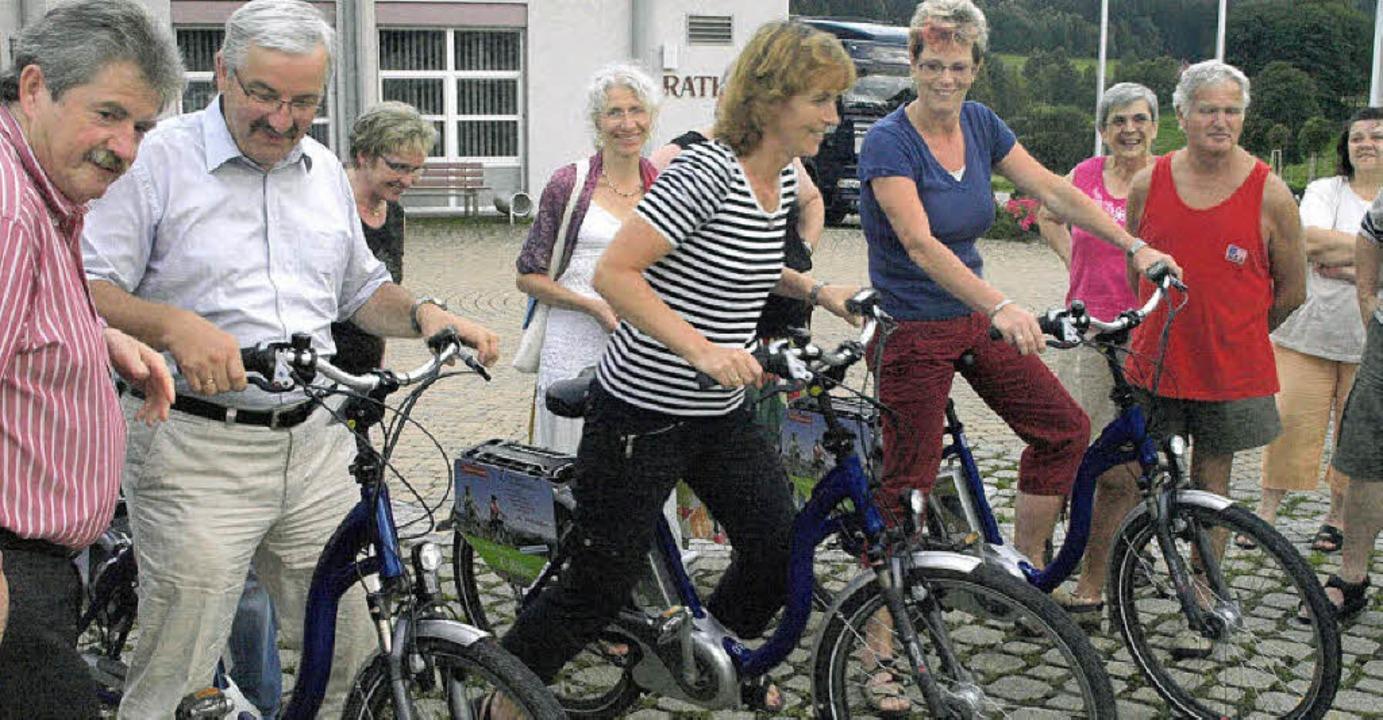 Positiv überrascht waren die Interesse...hl durch die Unterstützung beim Treten  | Foto: Karin Stöckl-Steinebrunner