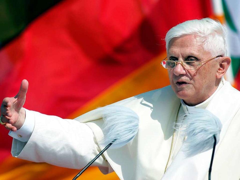 Der Papst kommt nach Deutschland &#821...r notwendigen Ausgaben gibt es Kritik.  | Foto: dapd