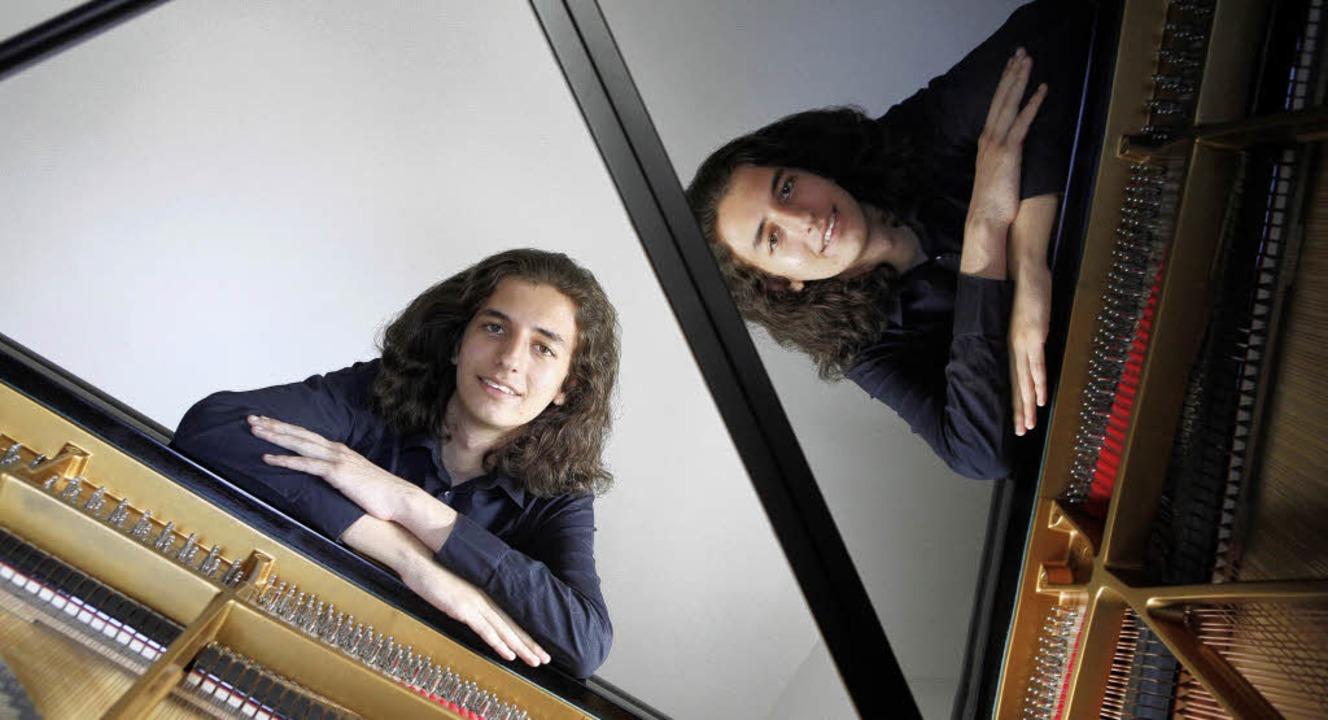 Adel Mohsin und  sein Instrument: Der ... auch vorstellen, Physiker zu werden.   | Foto: Ch. Breithaupt