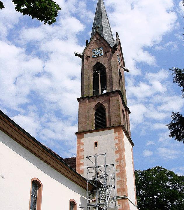 An der Buchheimer Kirche wird innen wi...e umfassende Erneuerung beendet sein.   | Foto: mario schöneberg