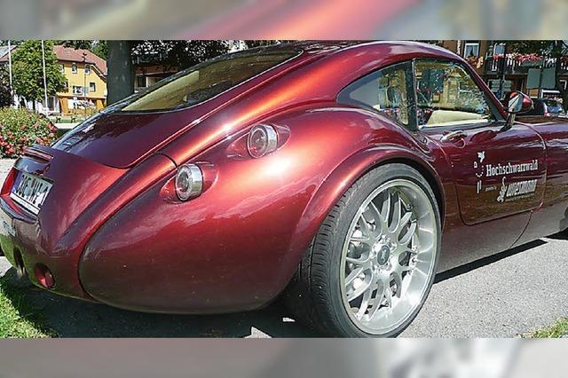 Ein 407 PS-Sportwagen hilft beim Sparen