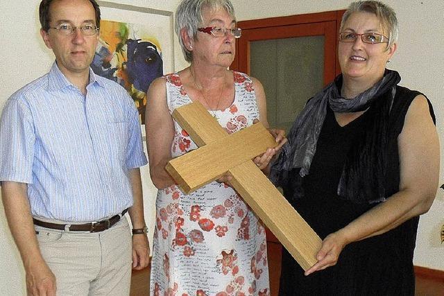 Ein Kreuz für den Begegnungsraum