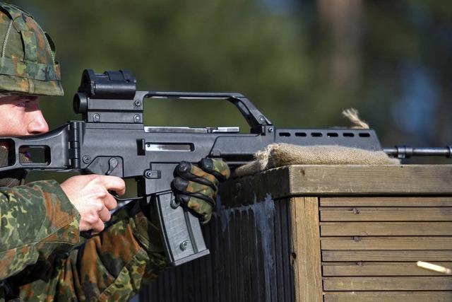 Warum hatte Gaddafi deutsche Sturmgewehre im Waffenschrank?