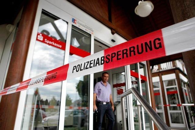 Banküberfall in Altenheim – Täter sind noch auf der Flucht
