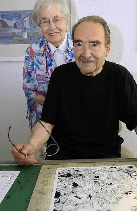 Ein zufriedenes Paar: Helga und Hansrudi Wäscher   | Foto: Müller-Wühler (2)