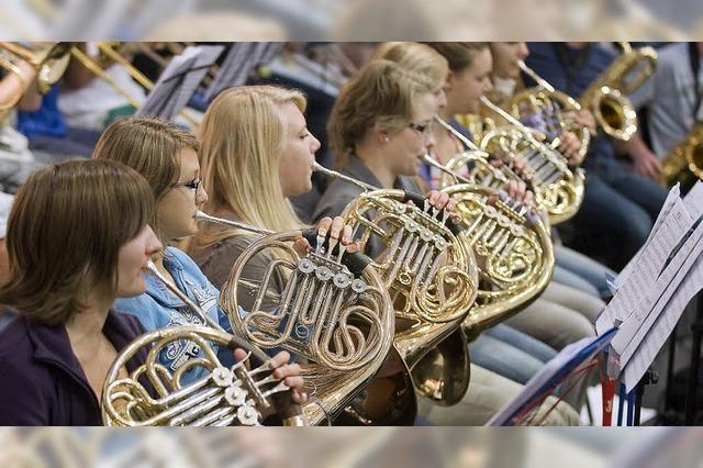 250 Jugendliche proben in Rust mit Stardirigentem